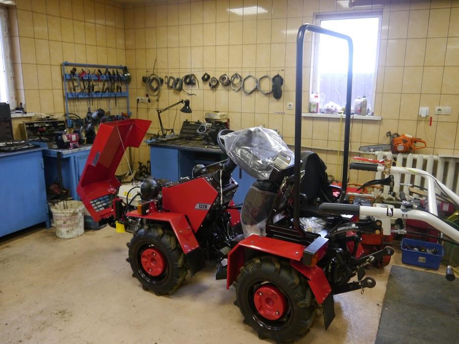 Мини-трактор МТЗ 132Н, ремонт тормозов.