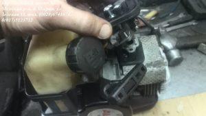karbyurator-i-korpus-vozdushnogo-filtra-trimmera
