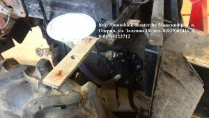 МТЗ 132 зажимаем крышку, тормозную педаль