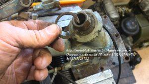 18. стопорное кольцо вертикального вала переключения передач мотоблок Беларус